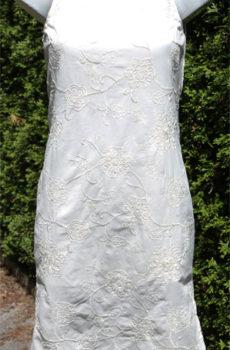 Kleider weiß